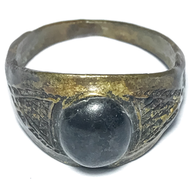 Hwaen Hua Maekapat Circa 2470 BE Magic Ring with Alchemical Substance 1.9 Cm - Luang Por Im - Wat Hua Khao 03124