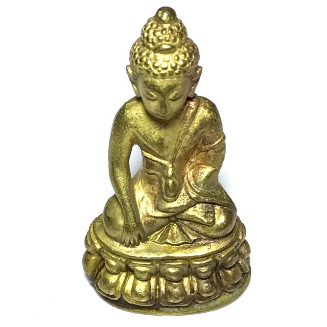 Pra Kring Tamma Muni Run Raek 1st edition 2539 BE Gold Pouring Ceremony Luang Por Pae Wat Pikul Tong 03150