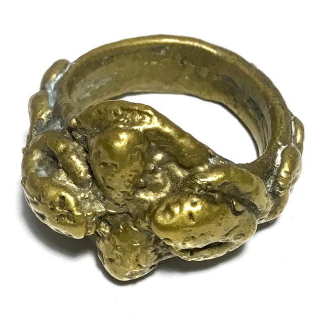 Hwaen Ngu Giaw Sap See Gler 2460 BE - 4 Entwined Snakes Magic Ring Protection & Wealth - Luang Por Im Wat Hua Khao 03270