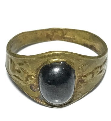 Hwaen Khang Nang Kwak Pra Lila Hua Maekapat Circa 2460 BE Magic Ring of Wealth 1.9 Cm - Luang Por Im - Wat Hua Khao