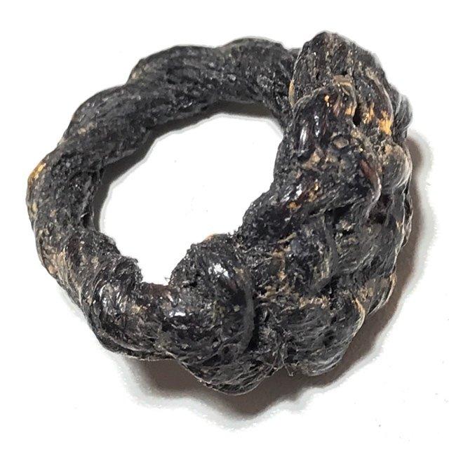 Hwaen Pirod Ancient Warrior Ring Amulet of Invincibility Luang Por Muang Wat Ban Tuan Circa 2460 BE 03526
