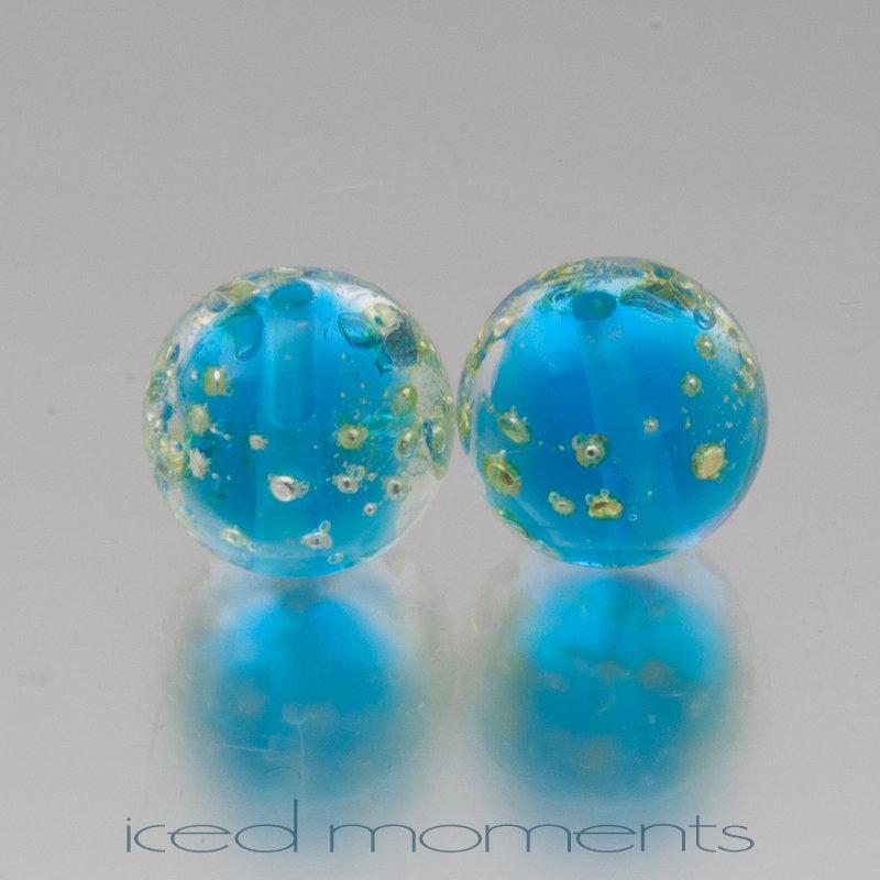 Shimmer in aquamarine