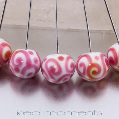 Helix rounds in white and pink