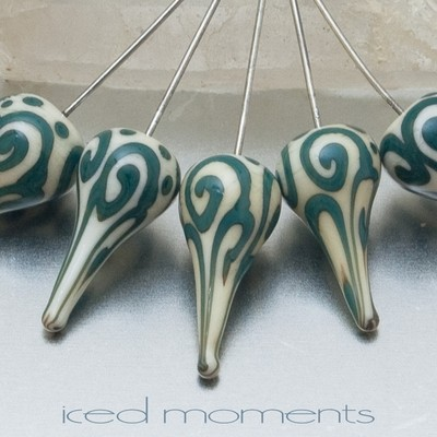 Helix teardrop in ivory and green