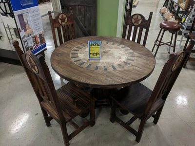 Medio Dining Table with Stone Star