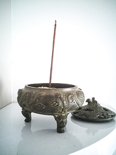 ** £75 after discount **) Brass Dragon Incense Burners. Click for details