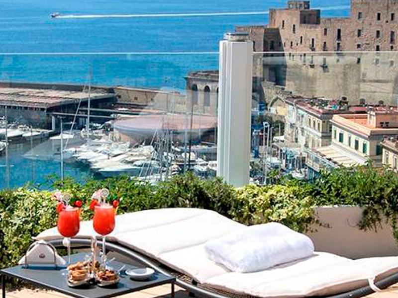 Soggiorno a Napoli per 4 persone dal 20 al 23 luglio
