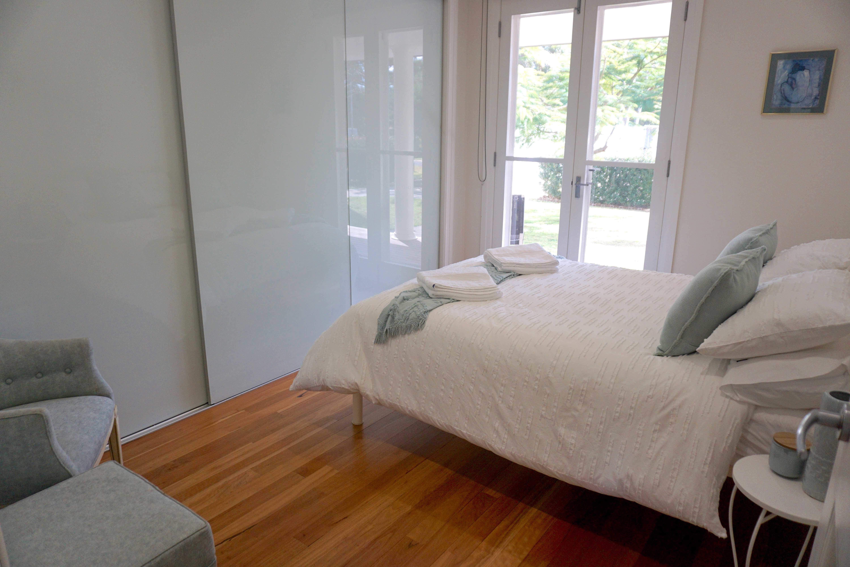 ---- Queen bed  #2---- (2pax)