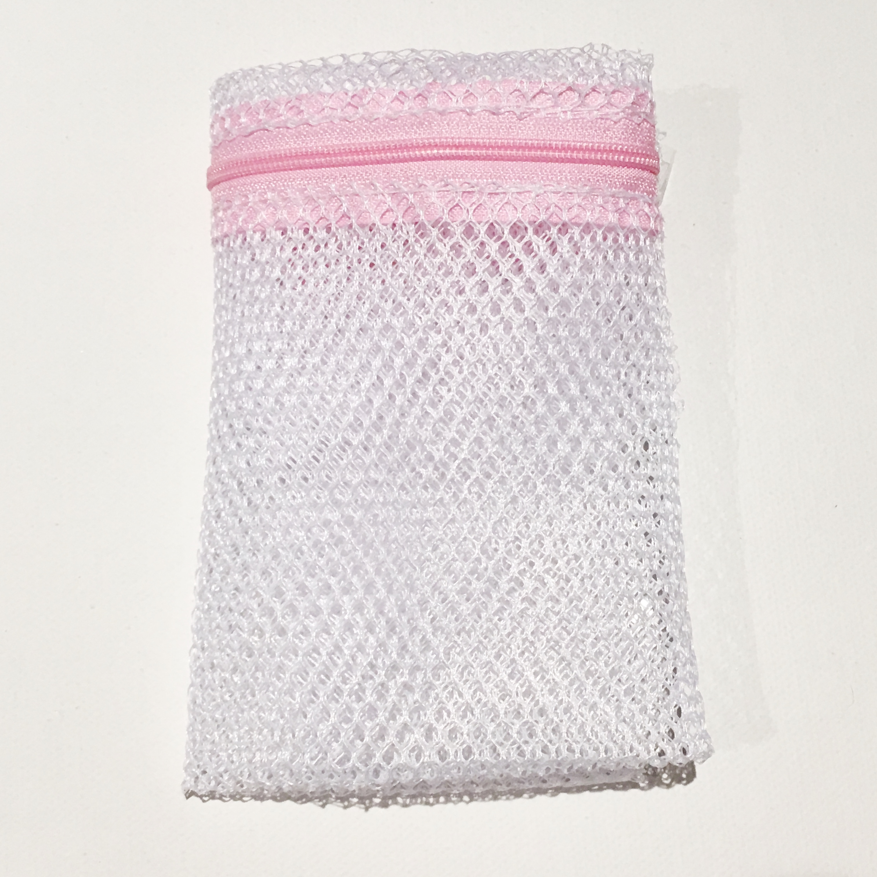 Pack of 5 x Small Reusable and Washable Cotton and Super Soft Bamboo Makeup Remover Wipes.
