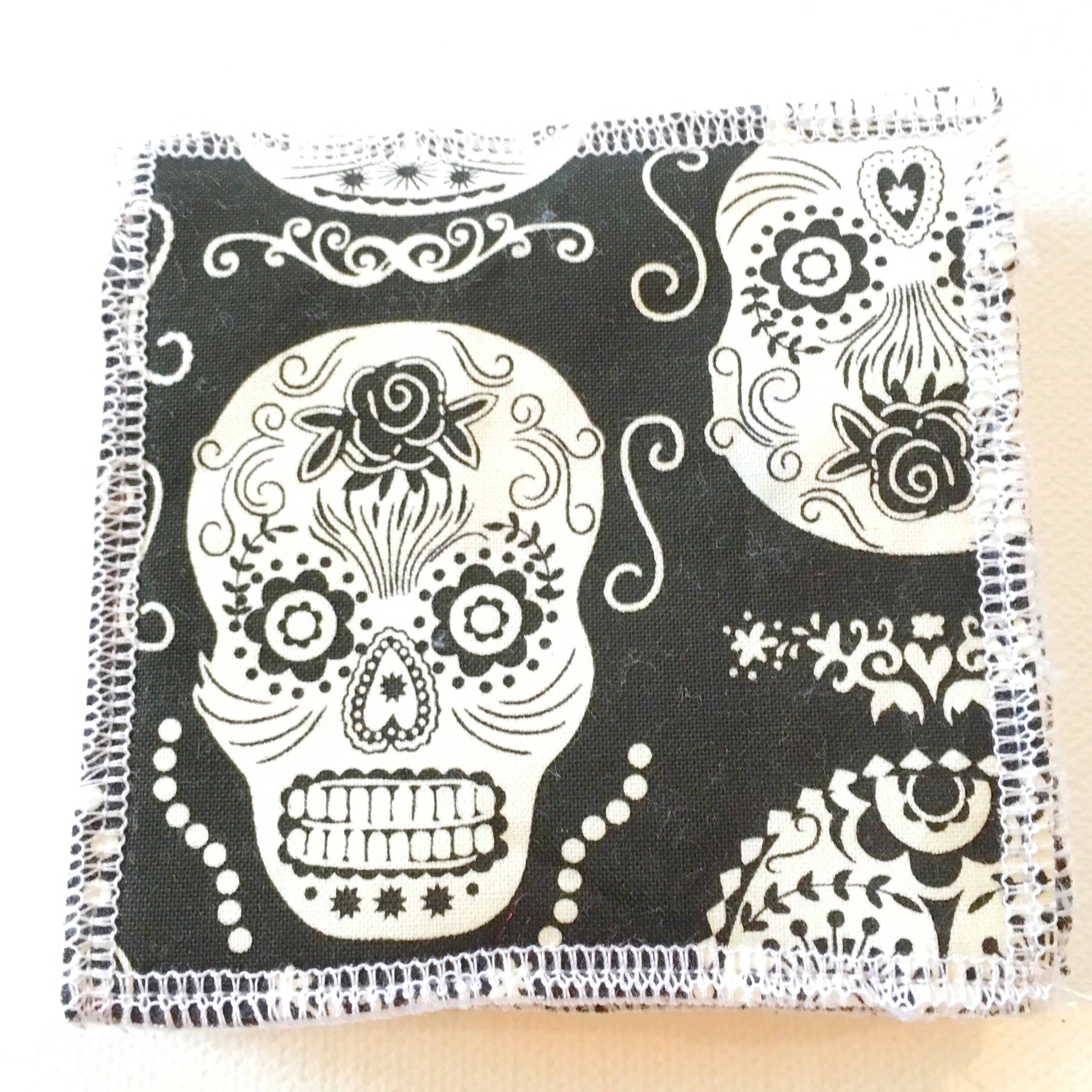 """Pack of 5 x Glow in the Dark Sugar Skull """"Use Wash Reuse"""" Cotton and Super Soft Bamboo Makeup Remover Wipes."""