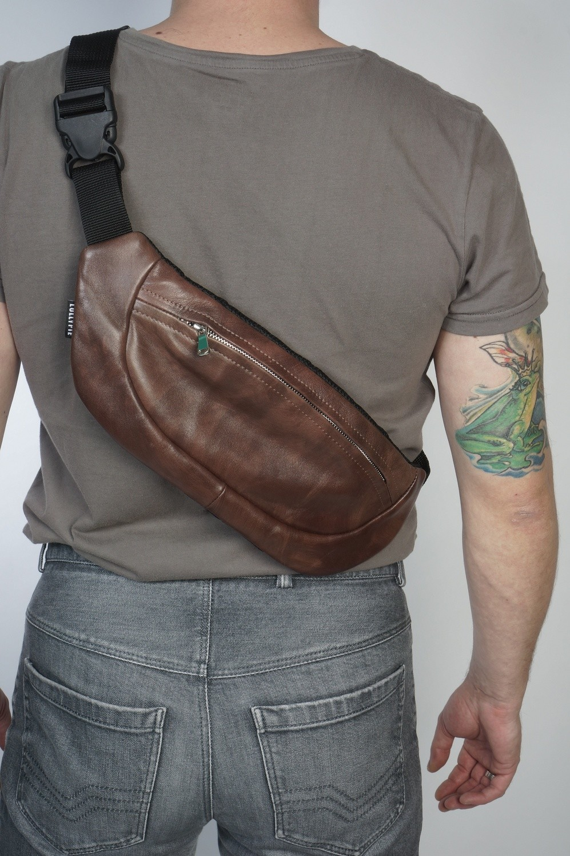 Кожаная сумка на пояс Leather Bum Hip Bag