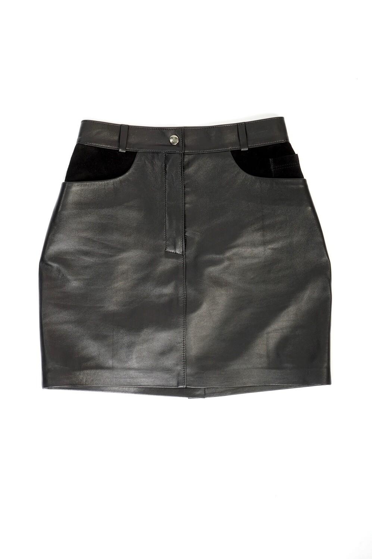 Leather mini skirt at the waist