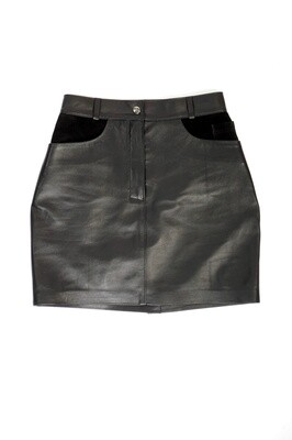 Leather mini skirt at the waist