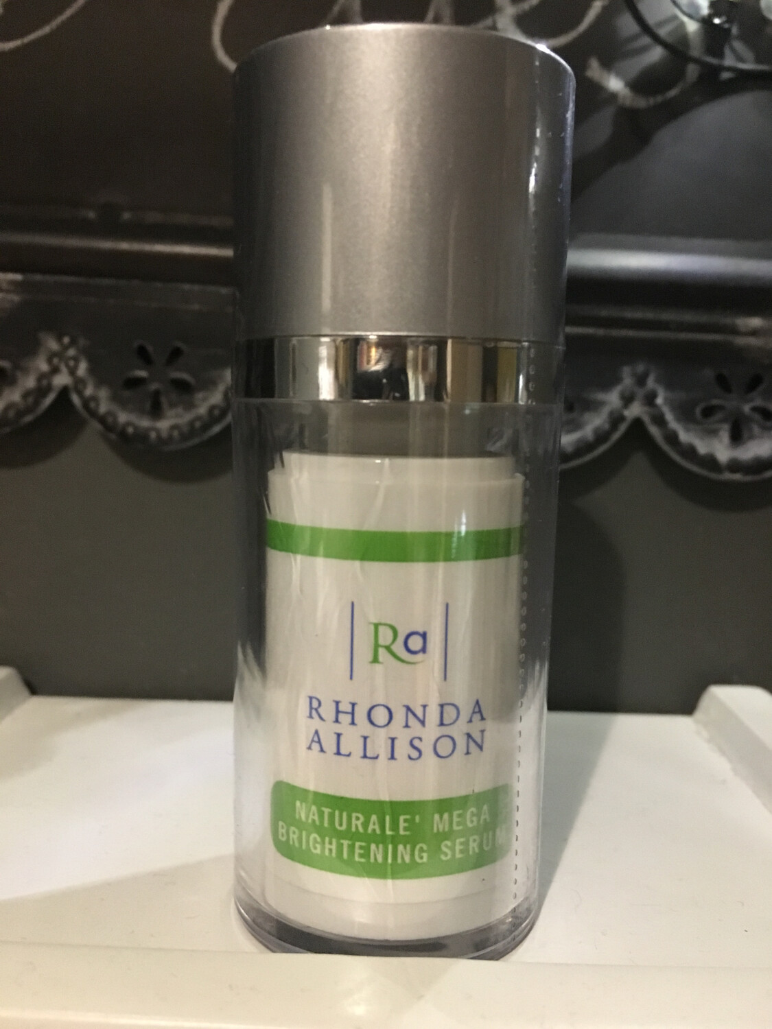 Rhonda Allison Naturale Mega Brightening Serum