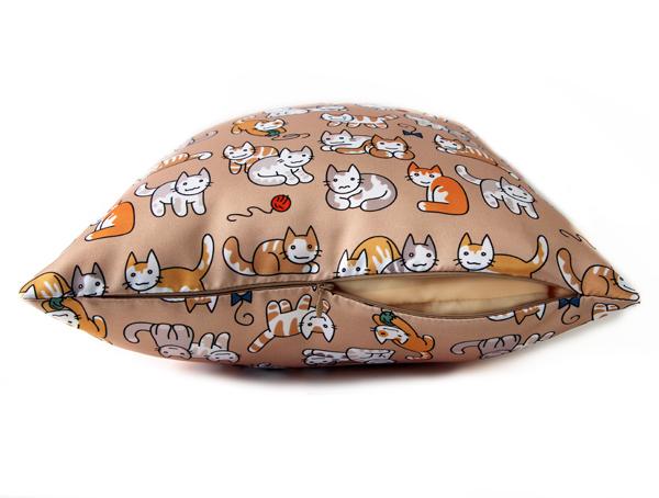 """Подушка диванная """"Котята"""""""