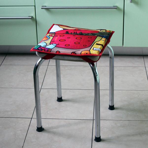 """Подушка на табурет """"Чтобы стол ломился!"""""""