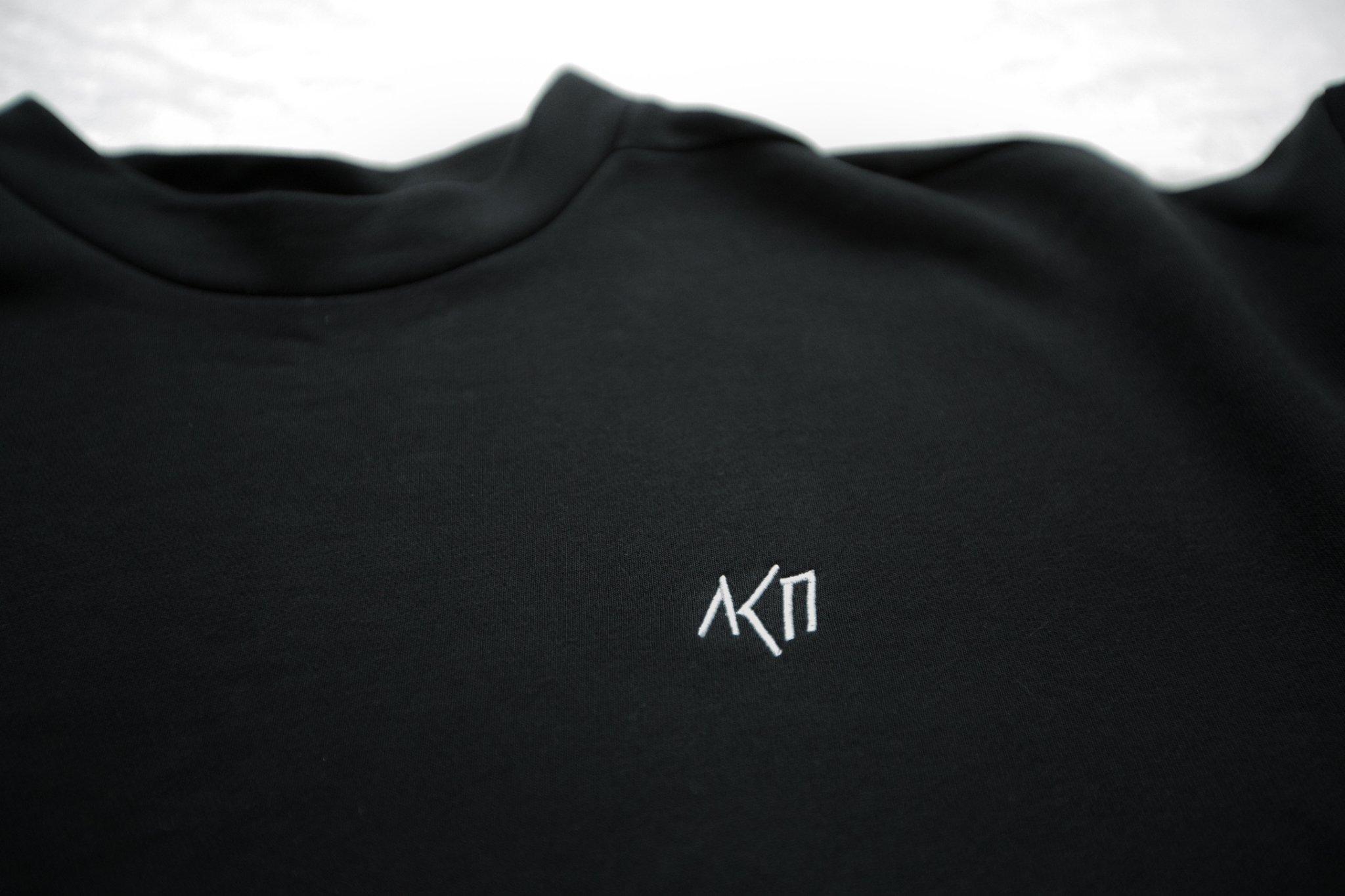 Свитшот лого вышивка укороченный Размер XS