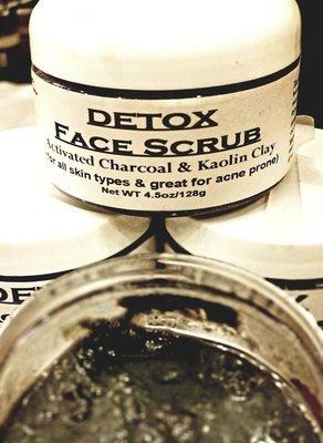 Facial Scrub & Cleanser, Detox