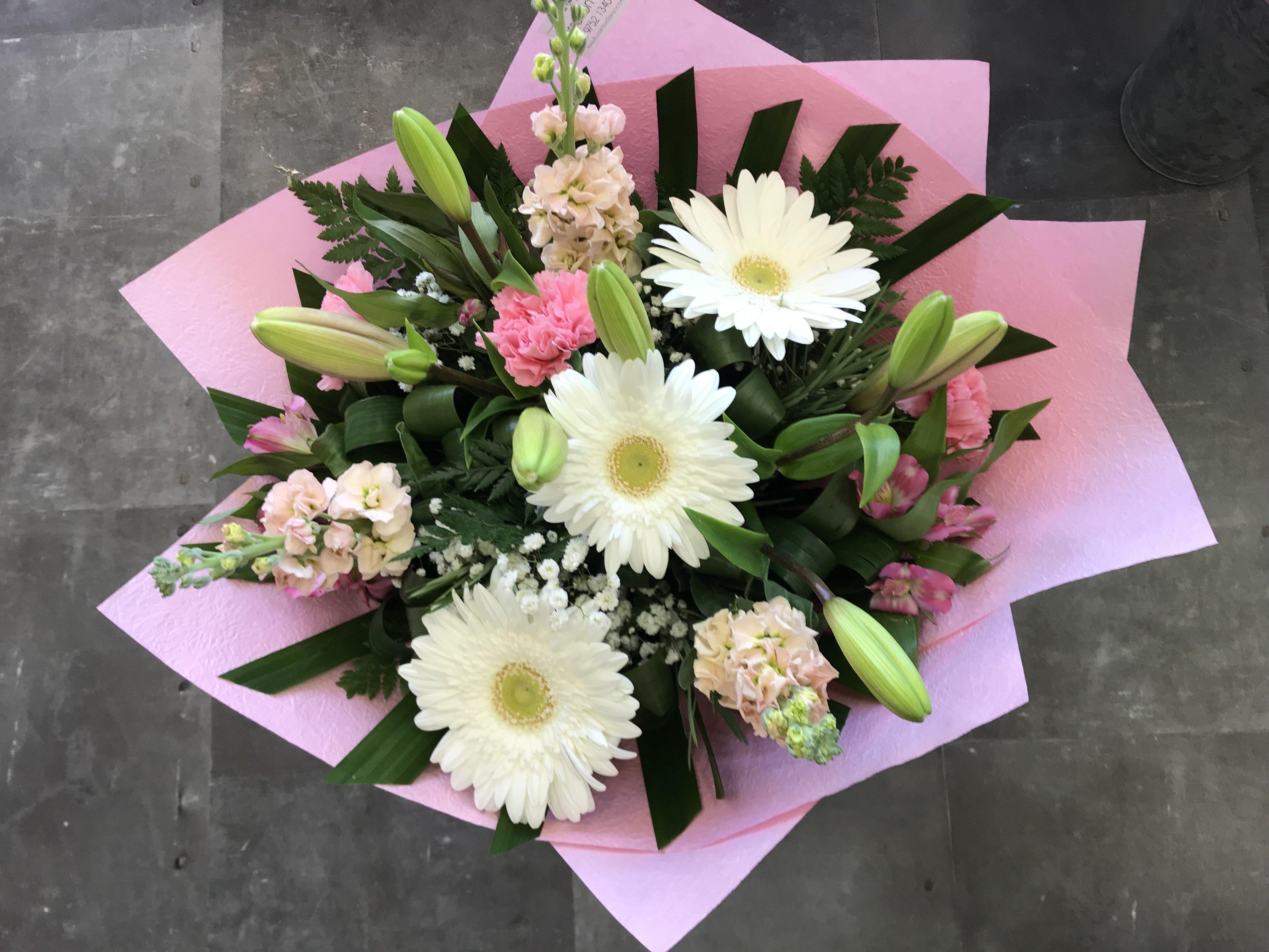 Mixed Bouquet Medium 00031