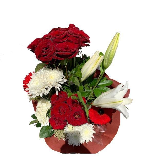 White and red flowers vase