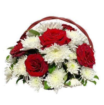 Mix of flowers basket