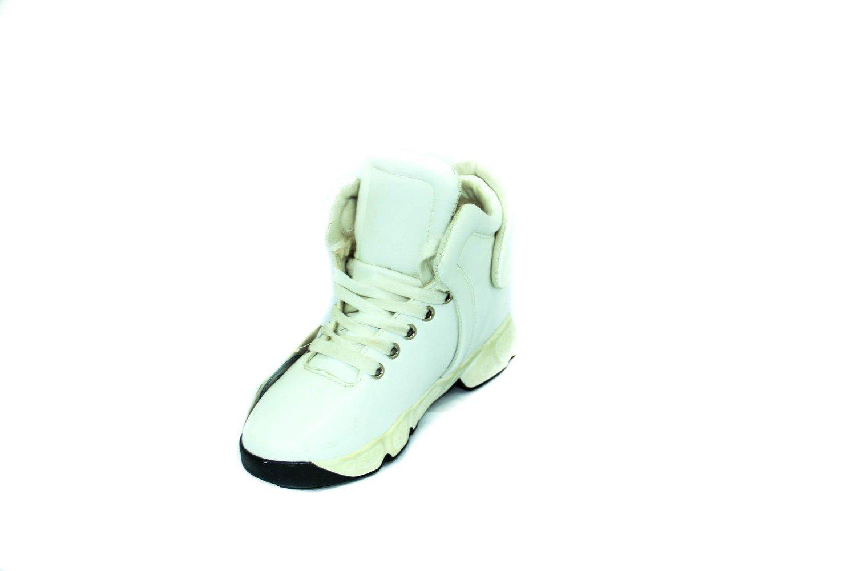 белые зимние ботинки для девушки