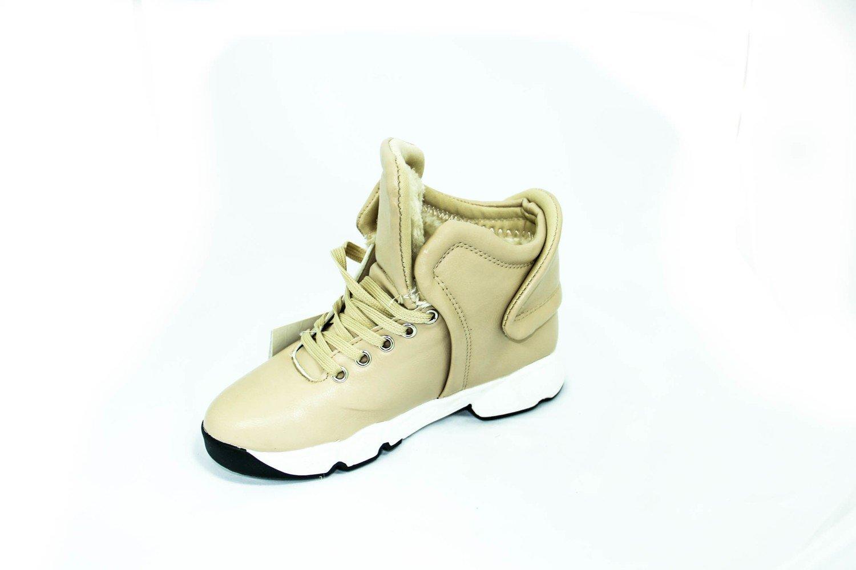 зимние бежевые ботинки для девушки