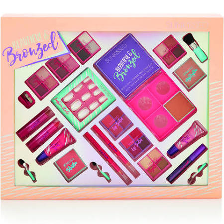 Sunkissed Beautiful and Bronzed Gift Set 19 Pieces 00065