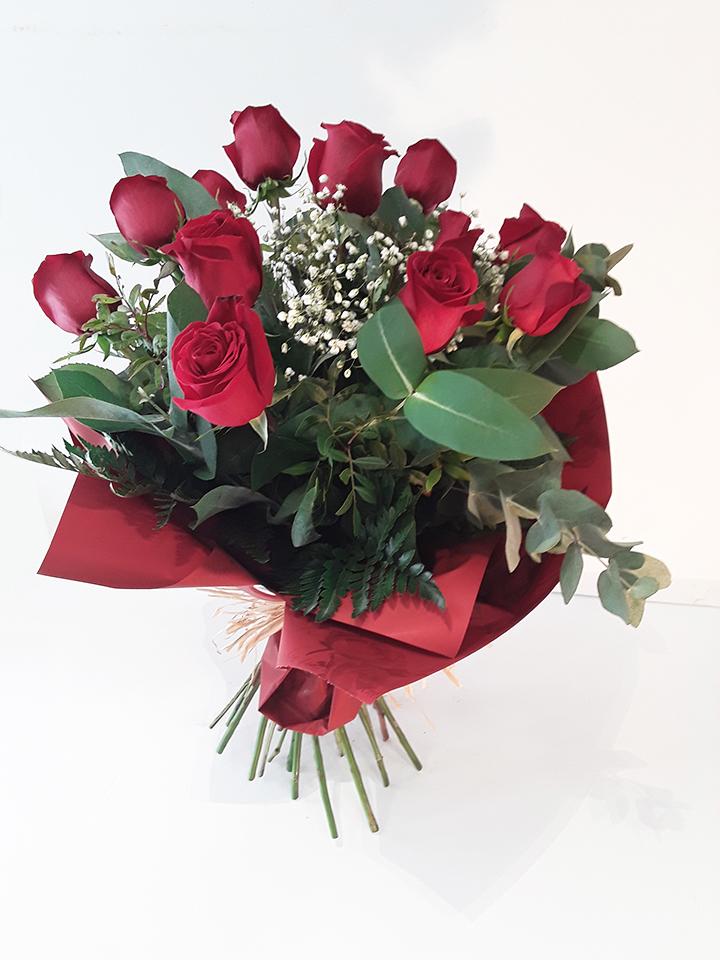 Ramo de 12 Rosas CARI002