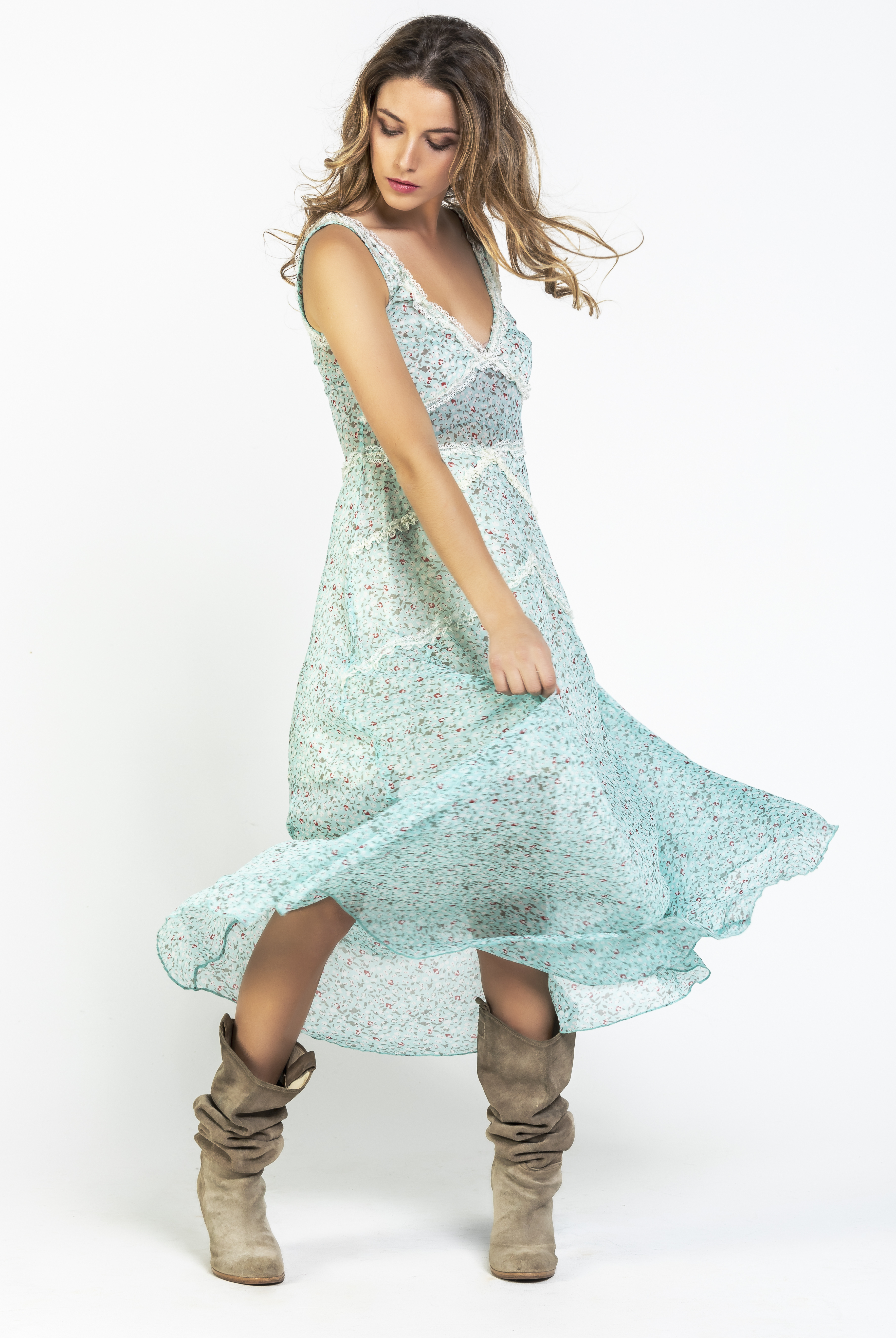 Savage Culture: Baby Roses Boho Chic Riverside Maxi Dress