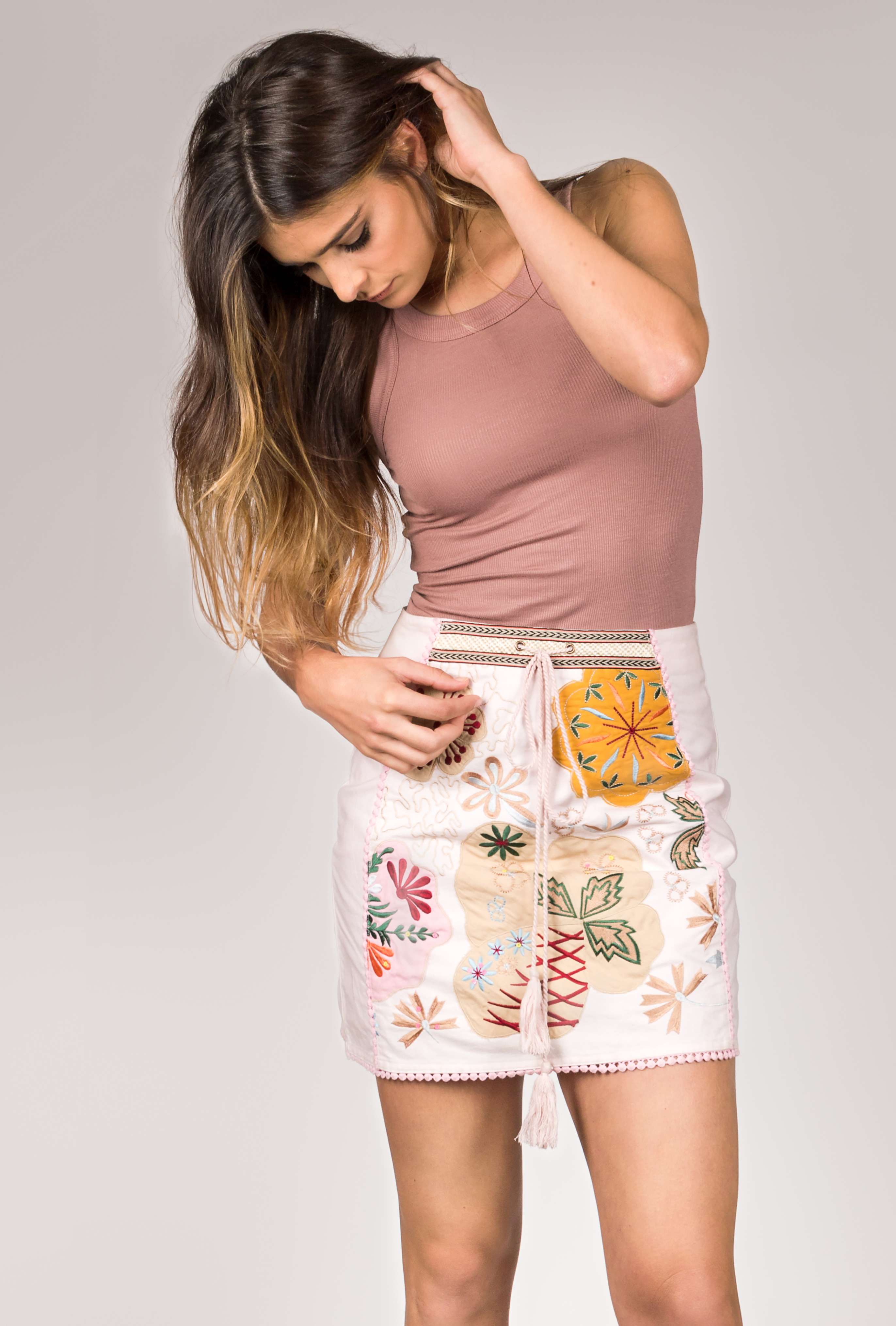 Shoklett: Pale Pink Rose Bouquet Jody MIni Skirt SHOKLETT_10004s19sk_mini