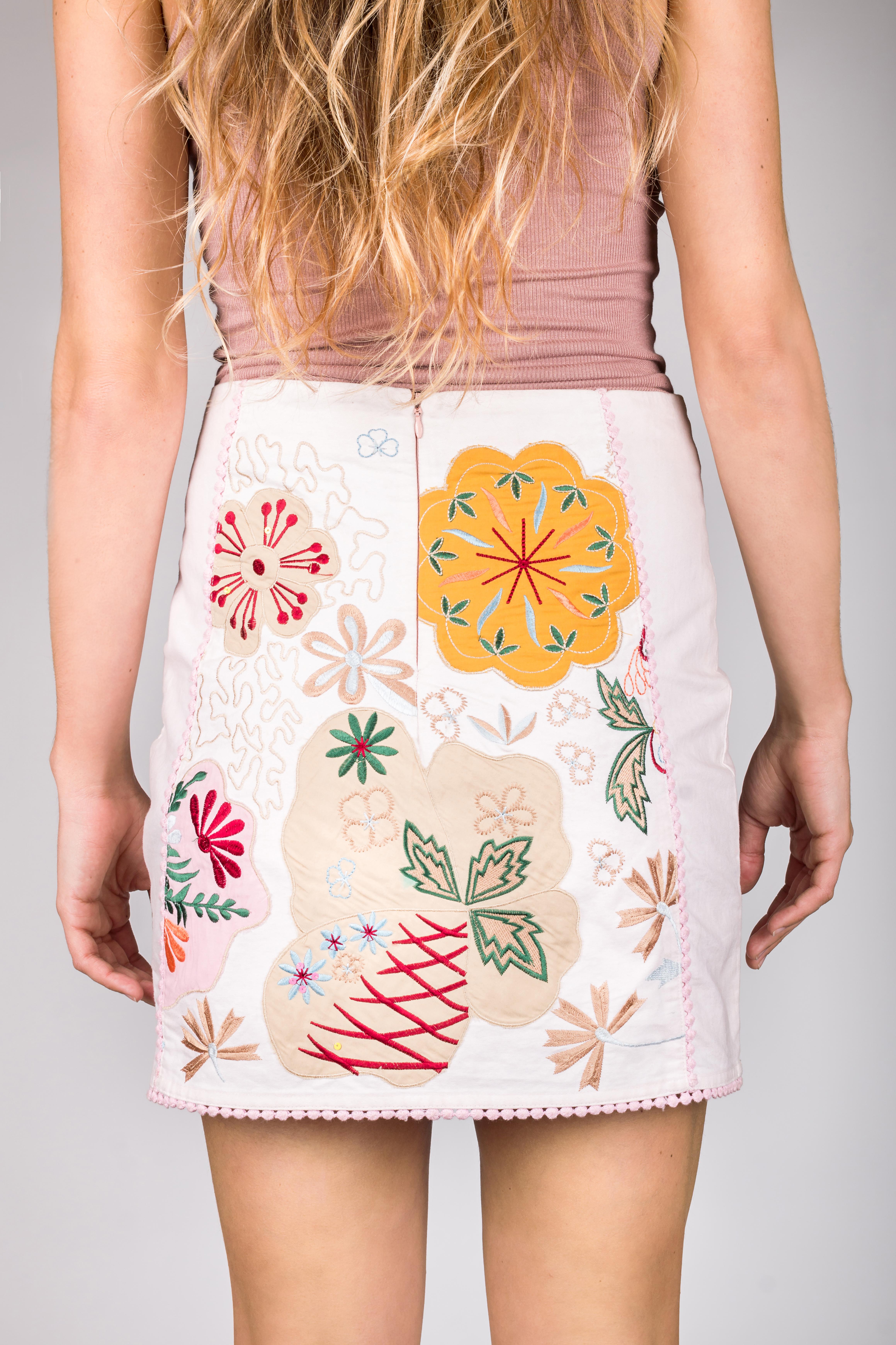 Shoklett: Pale Pink Rose Bouquet Jody MIni Skirt
