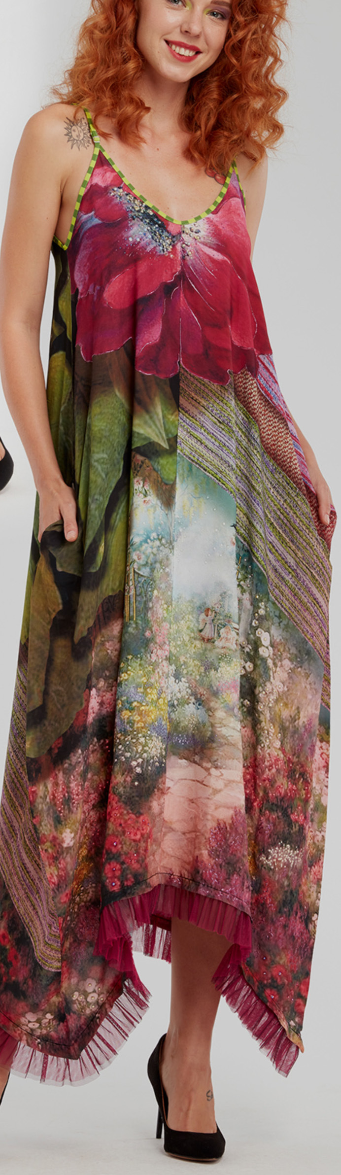 IPNG: In Paradiso Cherry Carnation 3D Illusion V-Cut Maxi Dress