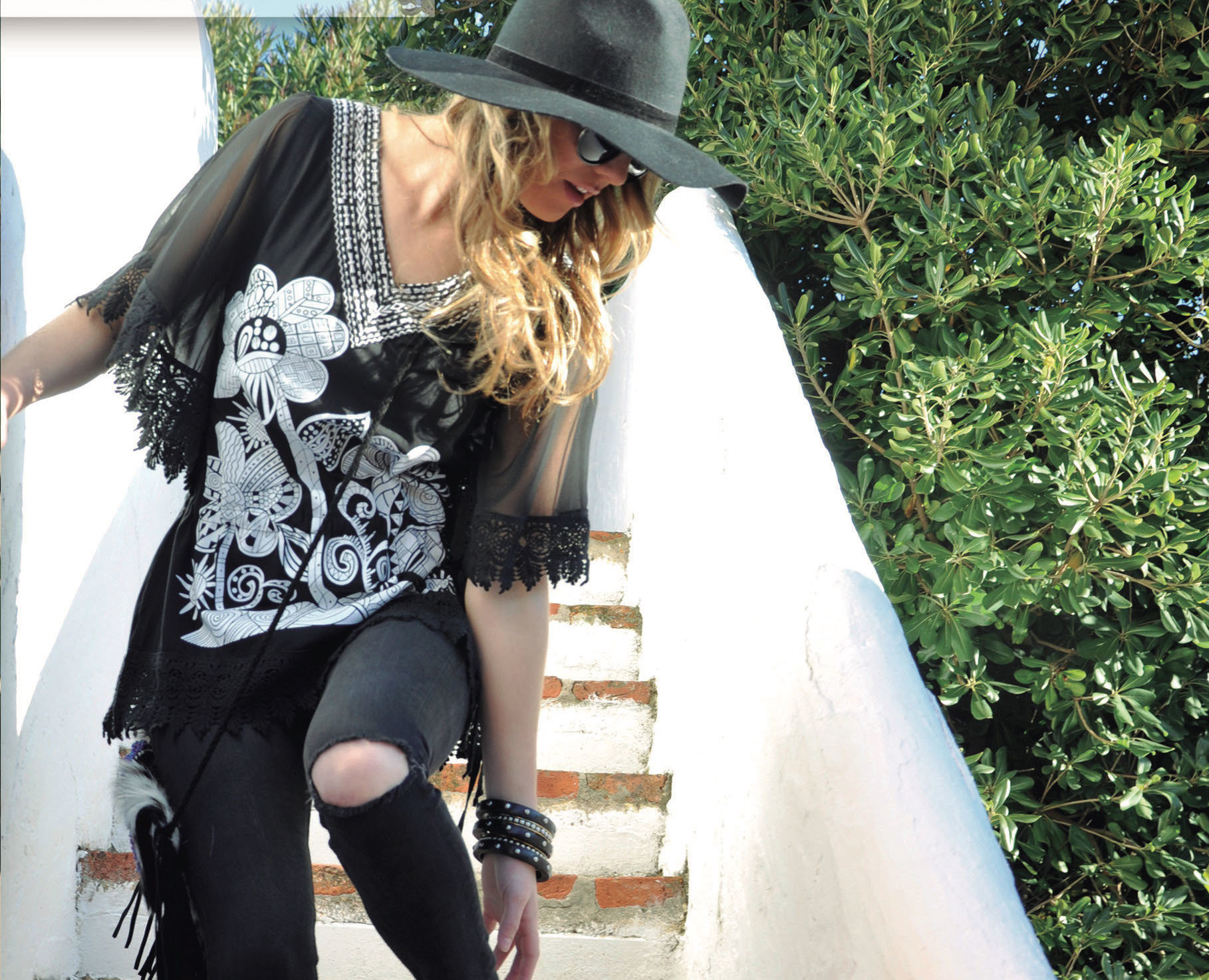 Savage Culture: White Rose Black Canvas Blouse Selena SAVAGE_32190