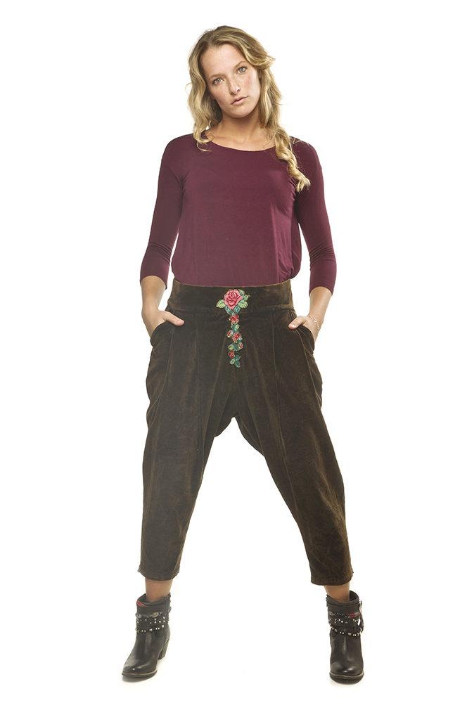 Savage Culture: Rosette Cropped Cotton Pant Antika