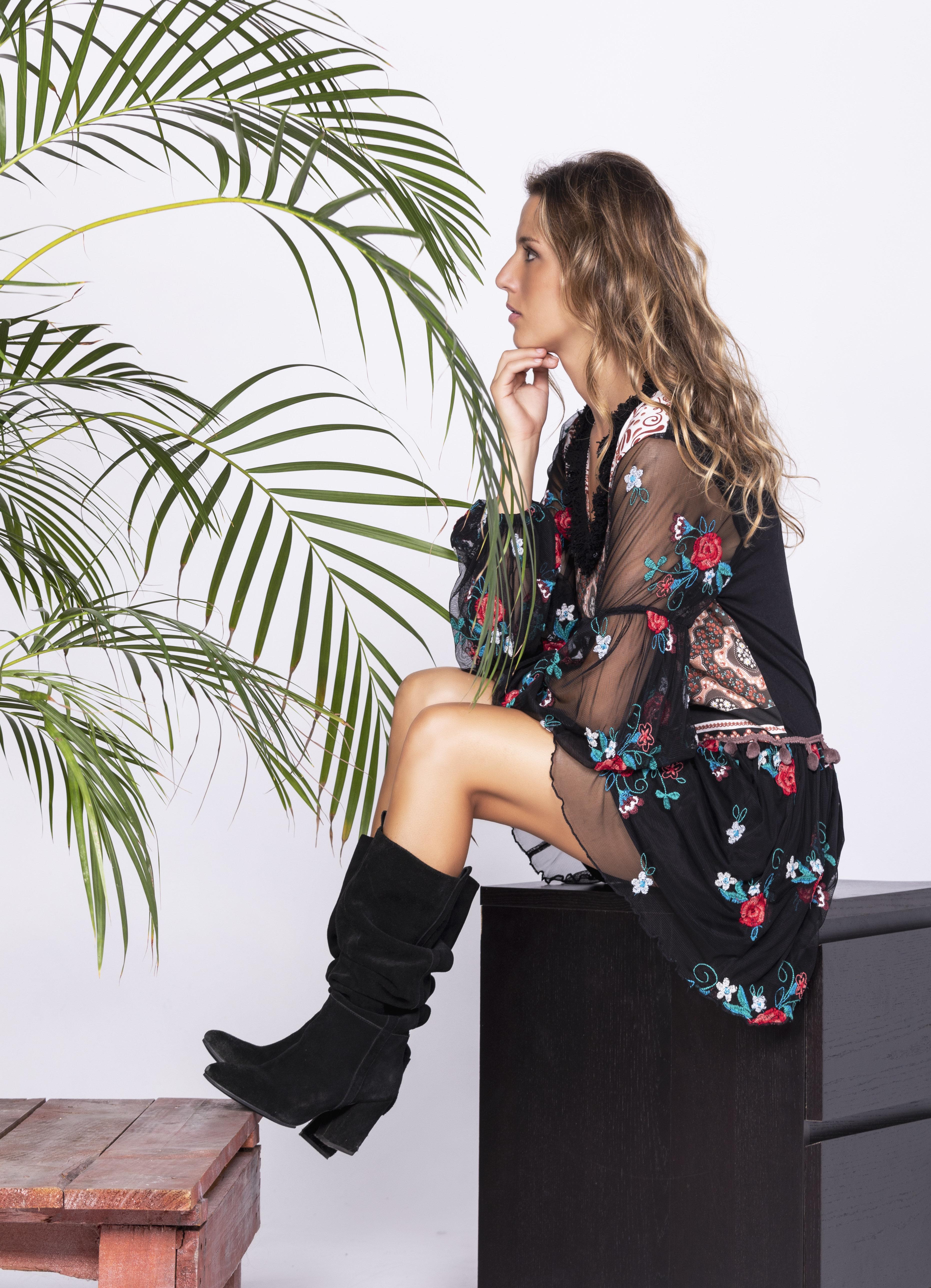 Savage Culture: Little Black Rosette Fit & Flare Dress San Petersburgo