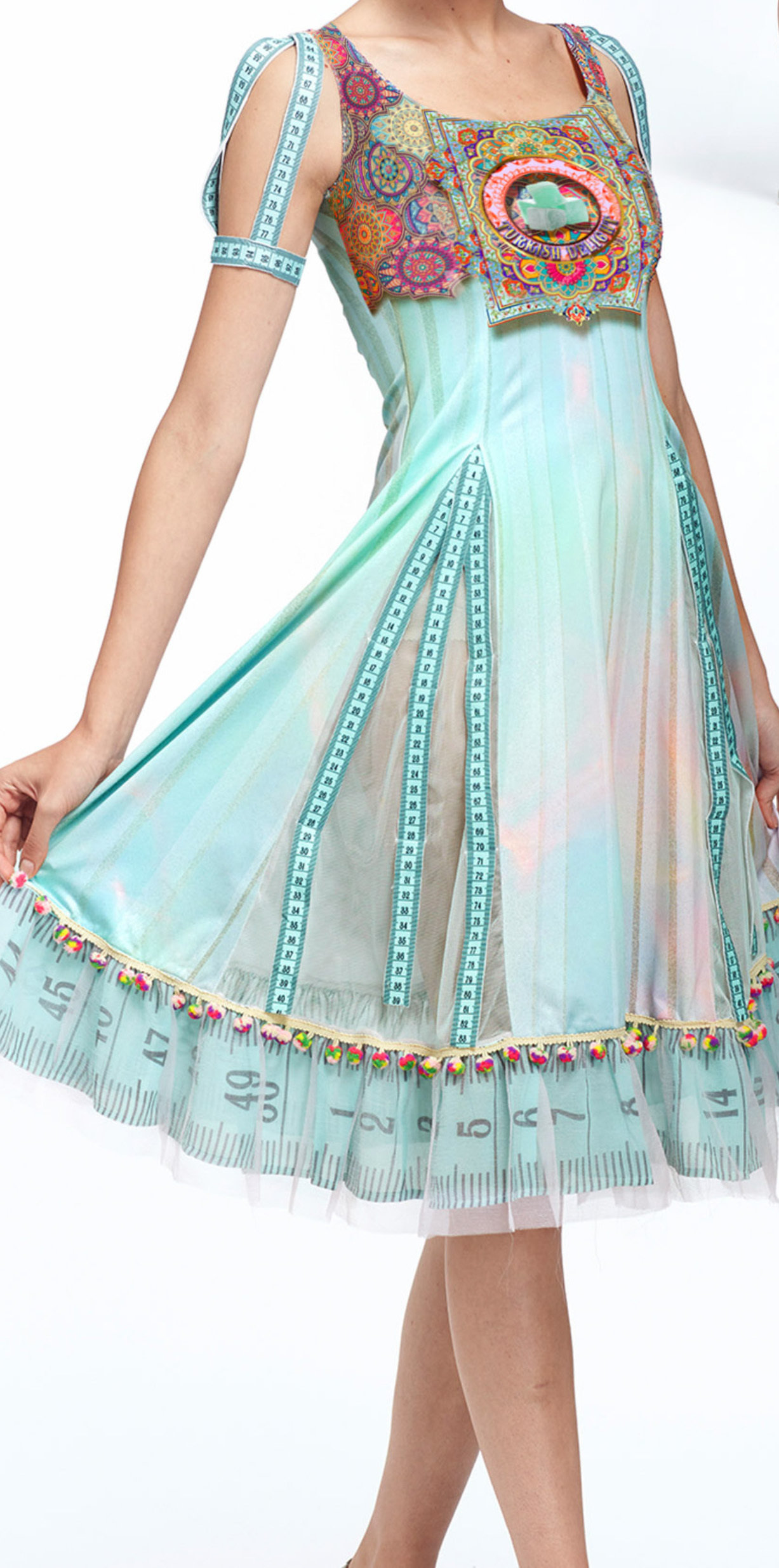 IPNG: Pastel Green Prismatic Rose Lokoometric Illusion Midi Dress IPNG_LOMD-036