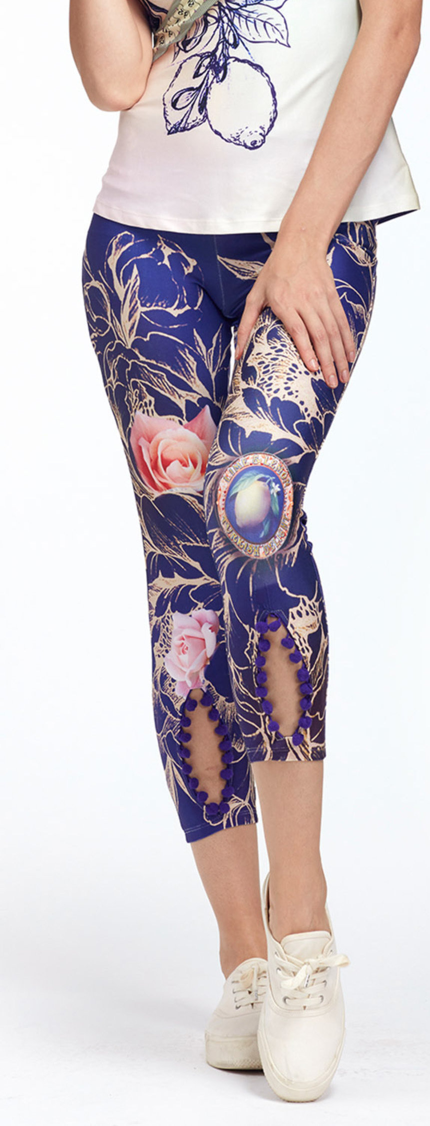 IPNG: Winter Rose Garden Peek-A-Boo Lokoometric Illusion Legging IPNG_LOMI-049