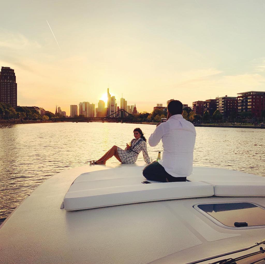 """Catering für """"Romantische DELUXE Yacht fahrt"""""""