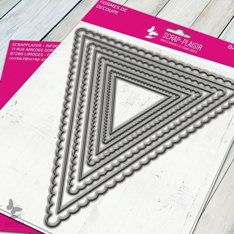Set de 8 matrices de découpes dies grands fanions triangles             - 14,5x14,5cm
