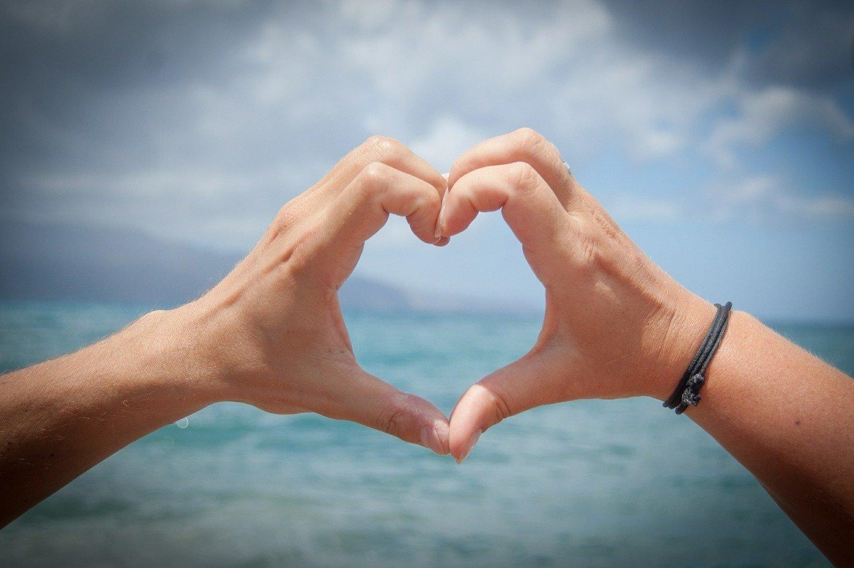 "Saint Valentine "" Heart through your fingers """