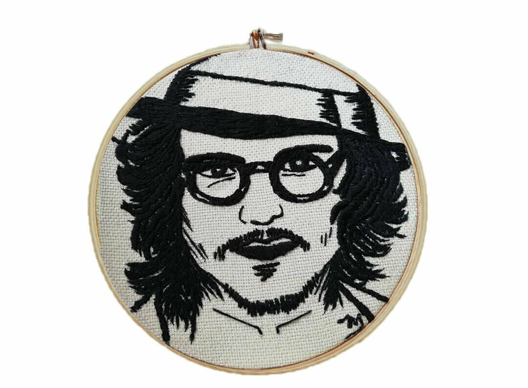Embroidered portraits / Retratos bordados