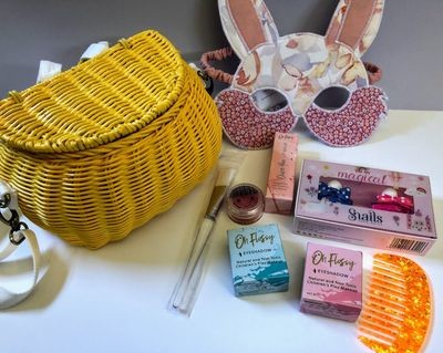 Play Makeup Gift Basket - Minichari Yellow