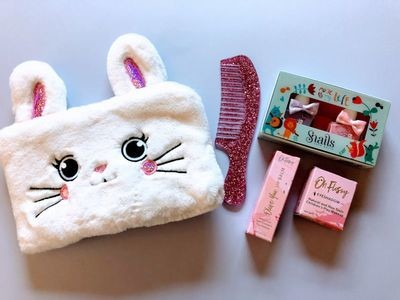 Play Makeup Gift Bag - White Bunny 1