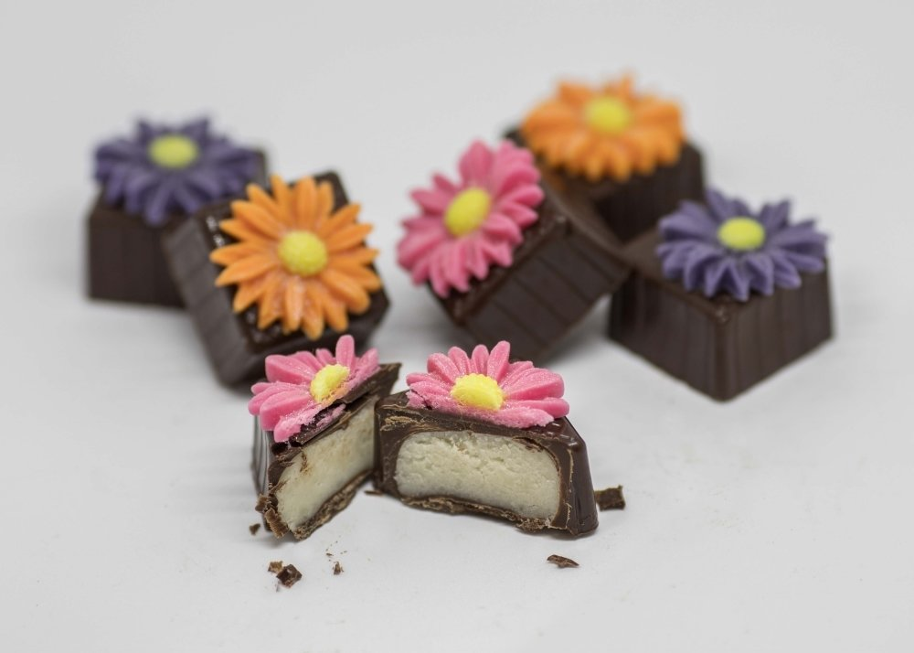 Bright Daisies are filled with original almond marzipan.