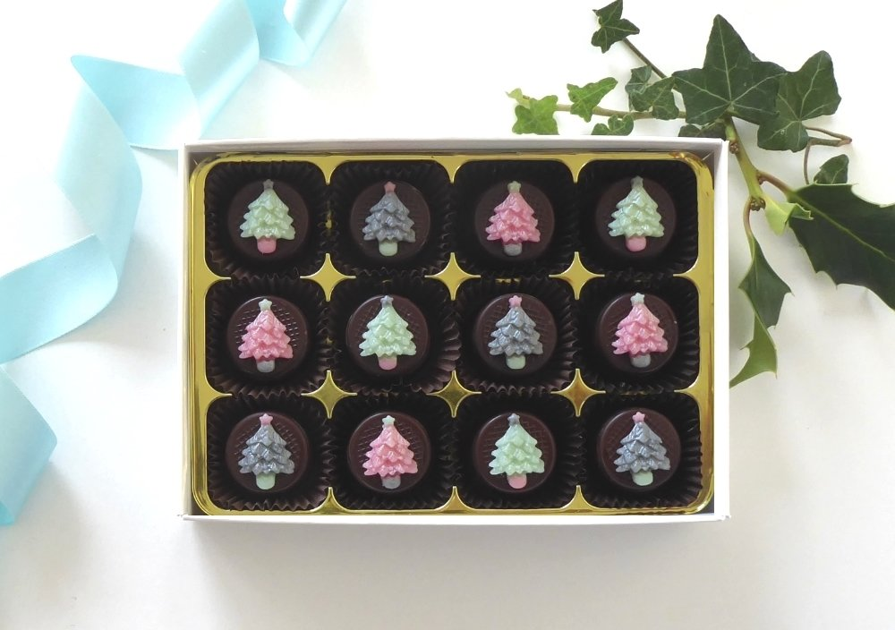 Pretty little trees in on trend colours.