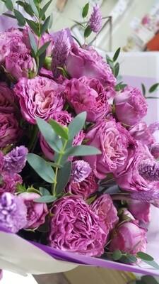 Пионовидные розы с сухоцветами