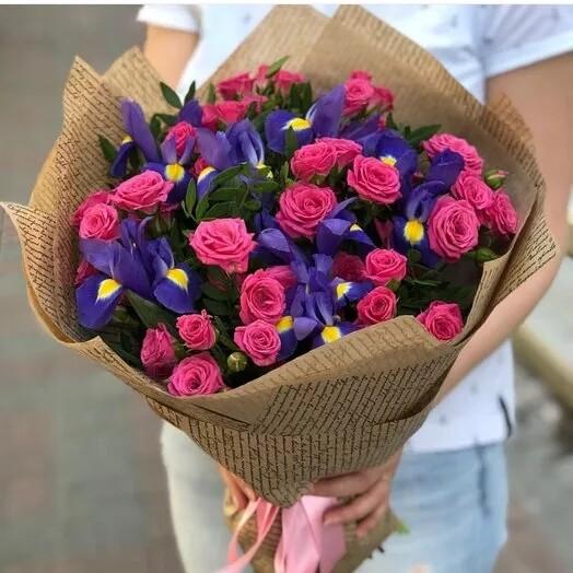 """Букет """"Розы с ирисом"""""""