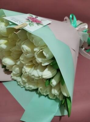 51 белый тюльпан, красиво упакован