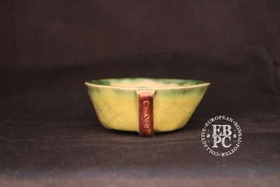 SUTEKI - 9.5cm; Accent / mame; Round; Glazed; Yellow & green; Belt feet design; EBPC Stamped; Simon Haddon